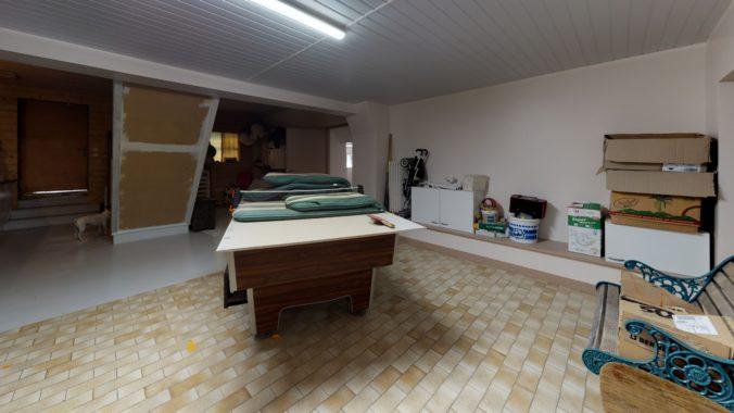 N7k62RNr9tg-Bedroom