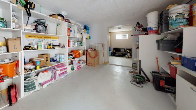 f1F3h51dnyE-Garage